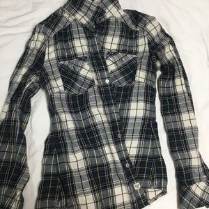 Aritzia Flannel Shirt Classic Fit